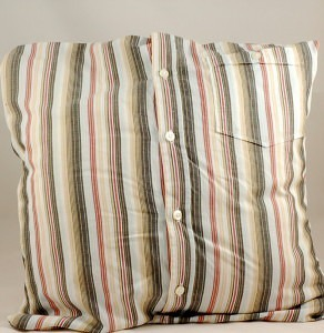 Shirt Cushion Cover Tutorial