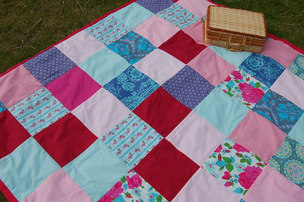DIY Picnic Blanket Tutorial