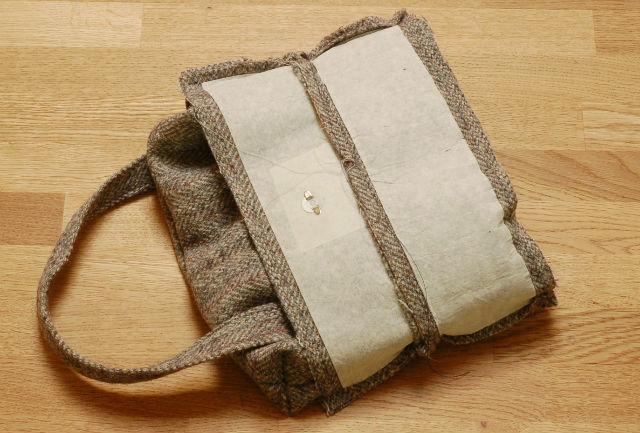 Assembling bag