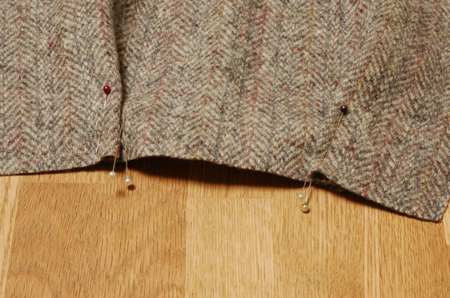 Tweed Bag pleats
