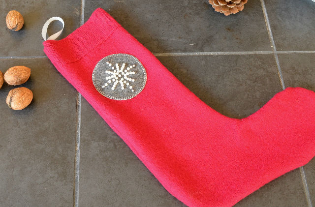 How to make a felt christmas stocking