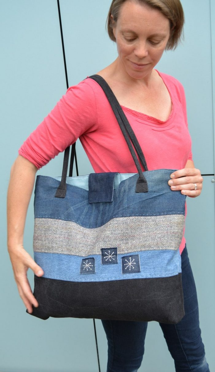How to make a large denim tote bag Upcycled Tote Bag Pattern Step by step instructions to create stylish large tote