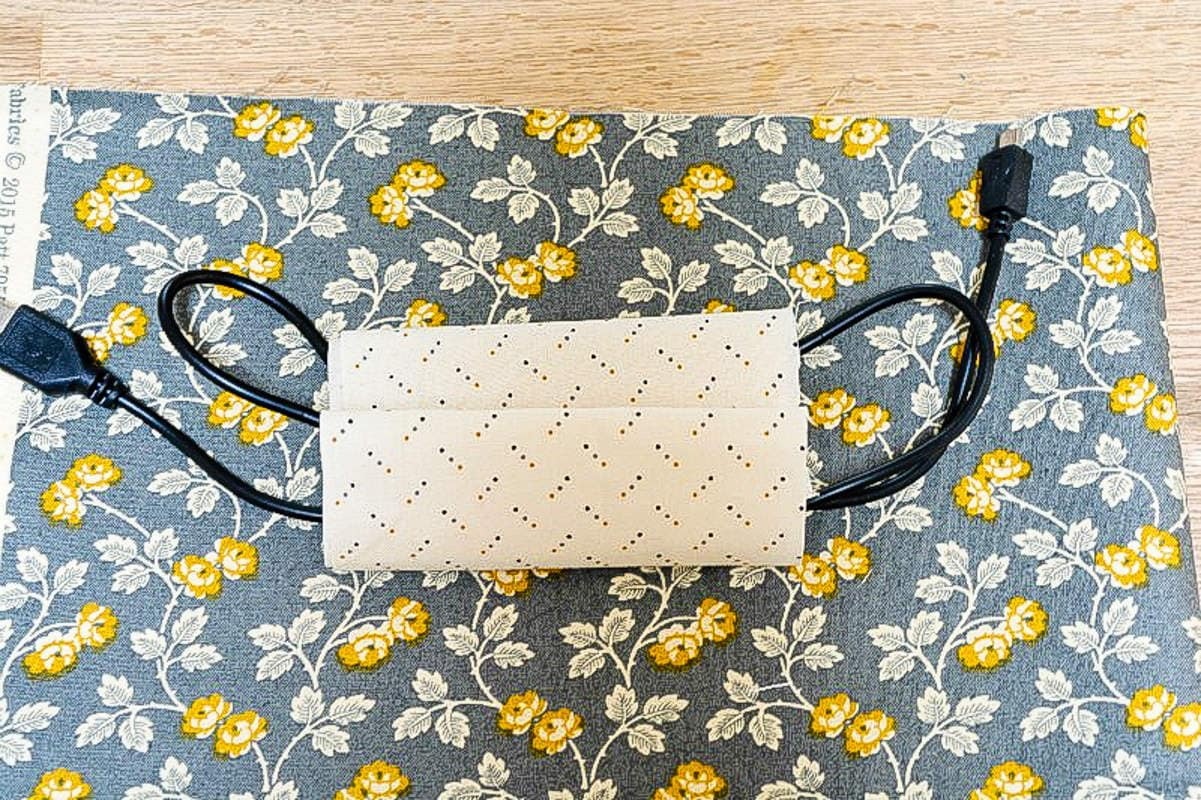 Fabric Cable Tidy, Cable Roll DIY 6