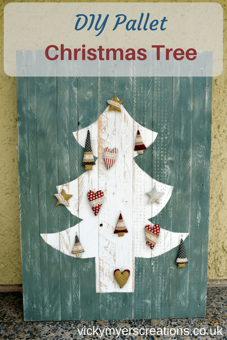 DIY Upcycled Pallet Christmas Tree 2
