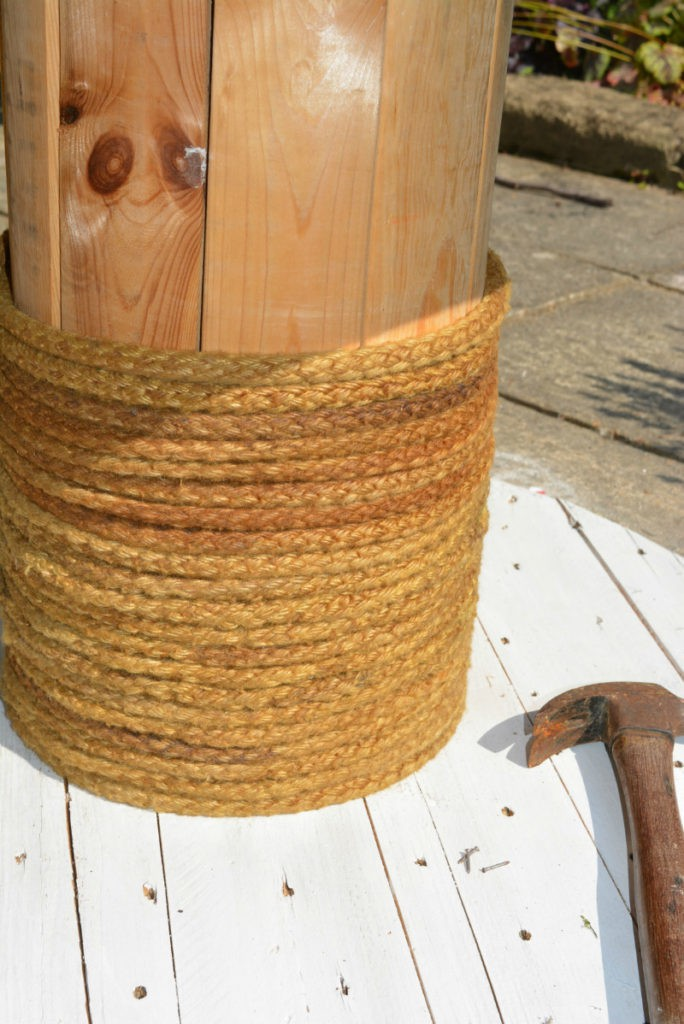 Wrap ore of cable reel with old rope