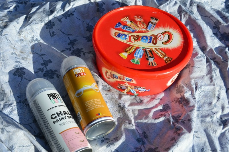 recycle-sweet-tins-into-gift-boxes-upcycle-christmas
