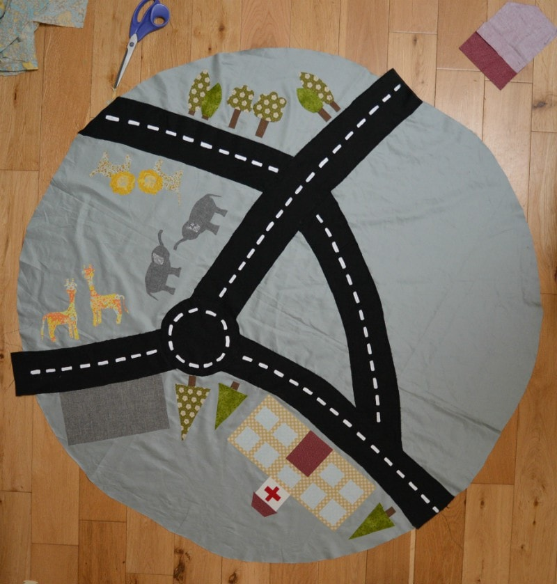 DIY drawstring car play mat (post sponsored by Volkswagen) 14