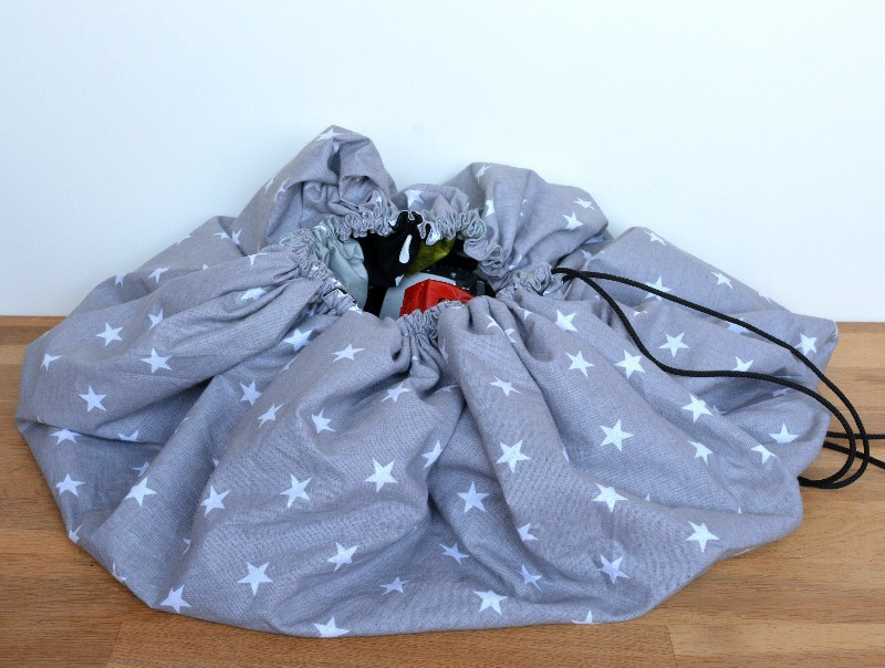 DIY drawstring car play mat (post sponsored by Volkswagen) 32