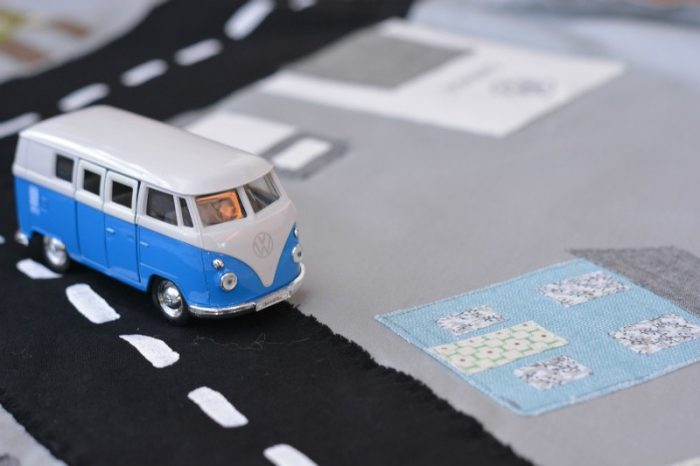 DIY drawstring car play mat (post sponsored by Volkswagen) 4