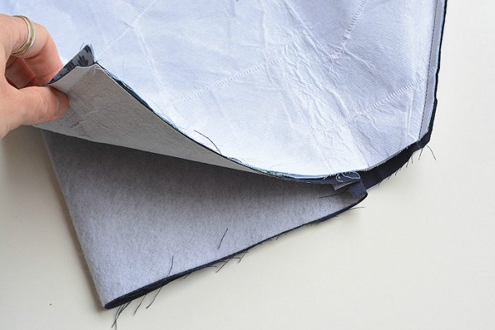 What to make with fabric scraps?? Free fabric scraps clutch tutorial 20