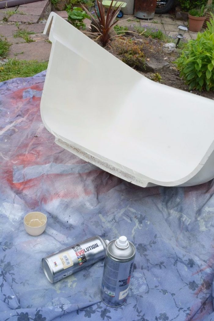 How to convert a bath into an upcycled garden chair 12
