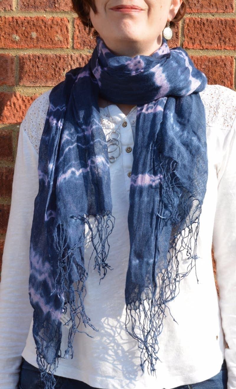 Learn how to make a shibori style scarf, DIY, Tutorial