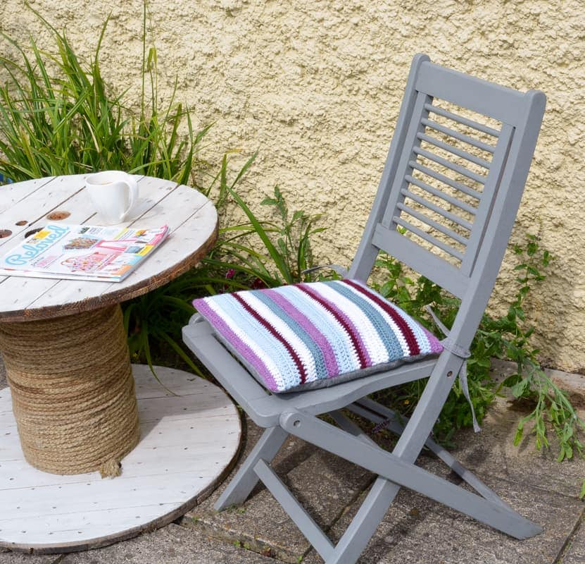 easy crochet cushion, DIY Striped Crochet cushion for garden chair, Tutorial