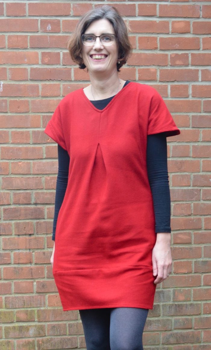 Celebrating Christmas - my new red dress. Tulip Dress Sew Different 8