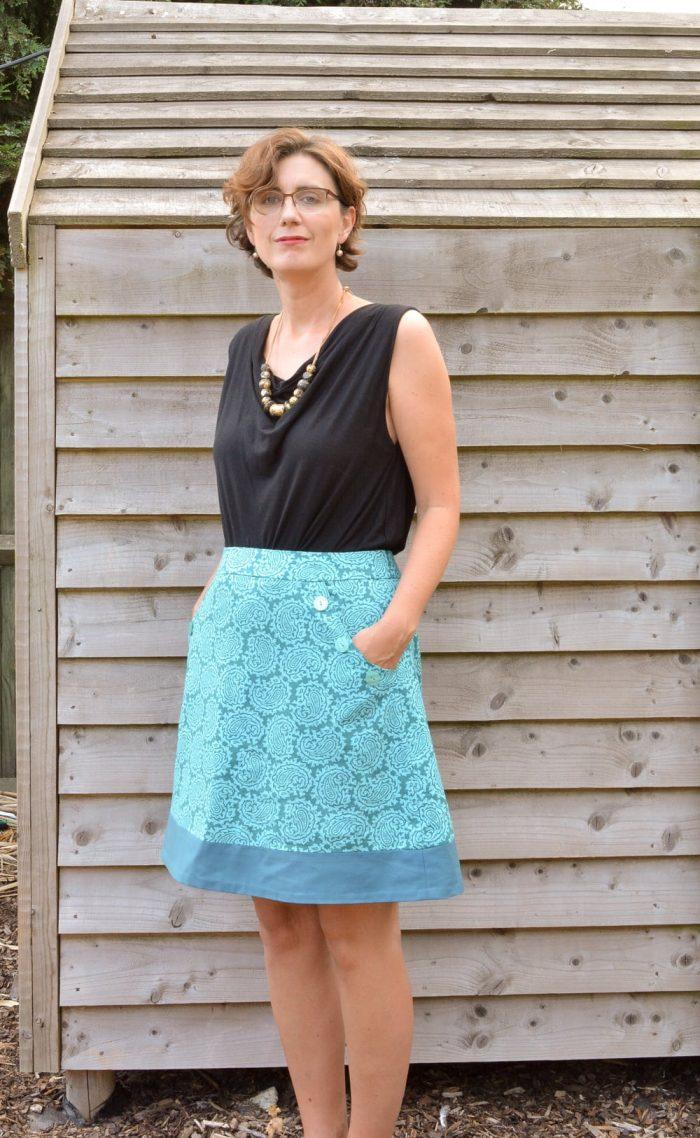 A line skirt with DIY gold leaf necklace