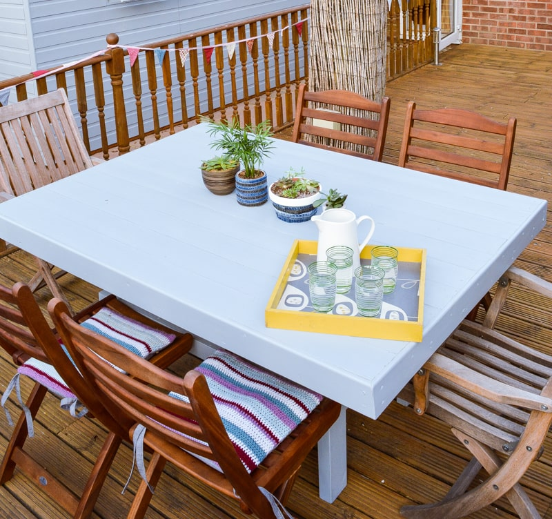 DIY Garden Table, upcycle an old shed side into a table 30