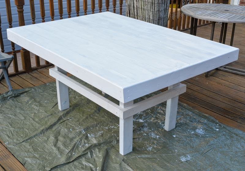 DIY Garden Table, upcycle an old shed side into a table 28