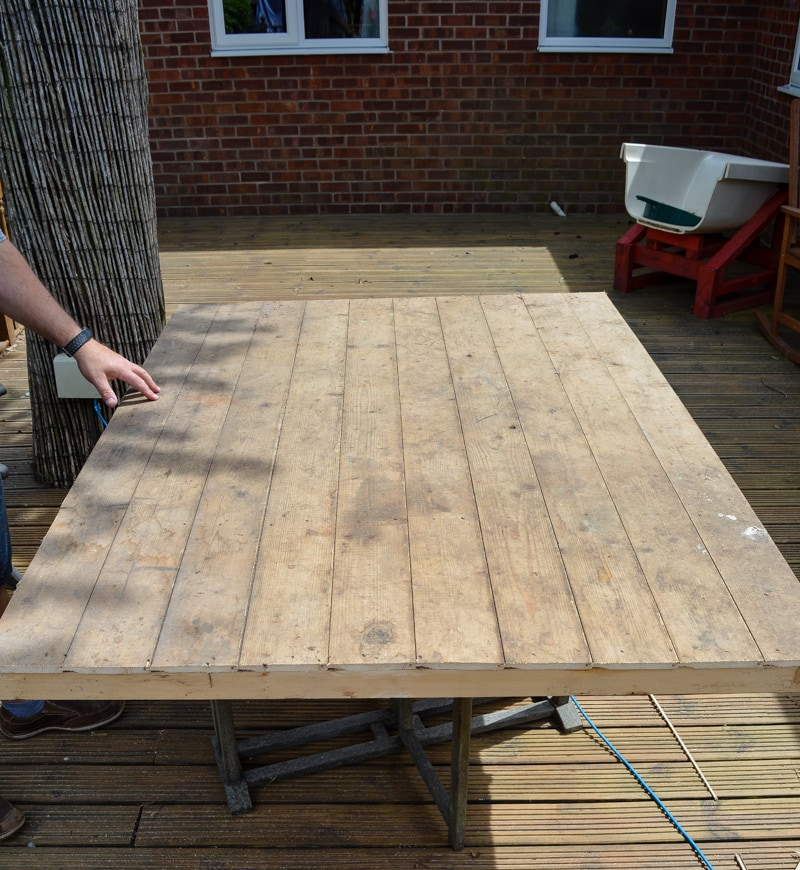 DIY Garden Table, upcycle an old shed side into a table 12