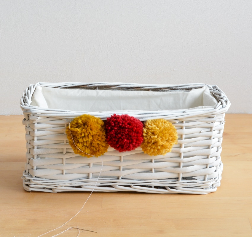 Sew the lining to the upcycled wicker basket