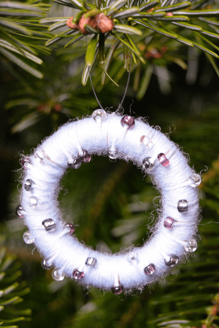 DIY upcycled Christmas decorations, 5 Great ideas for Repurposing curtain rings 18