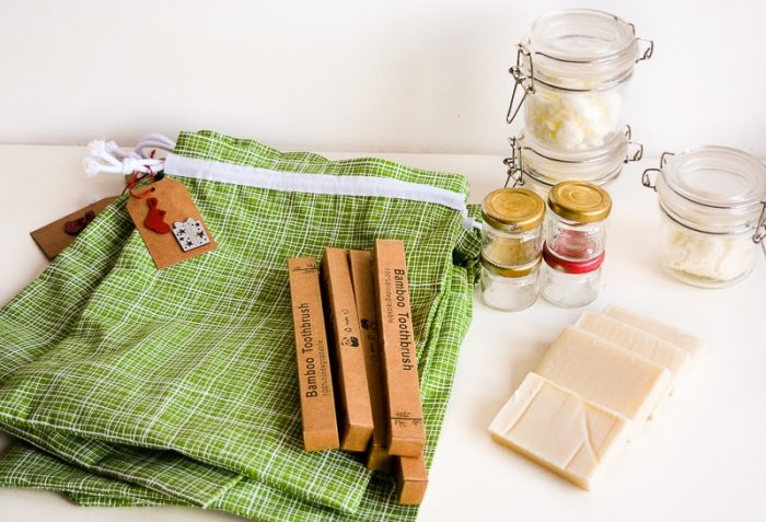 Last minute gift - Going green toiletry set 6