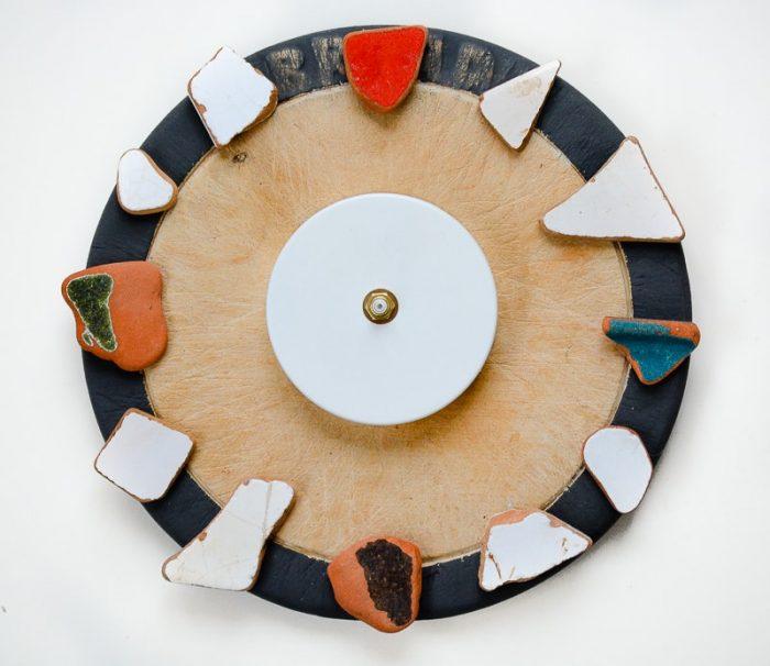 How to make a DIY cutting board clock 24