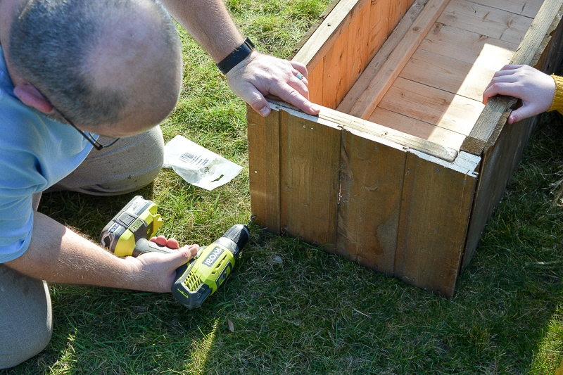 DIY Garden planters - upcycle your old garden shed 20