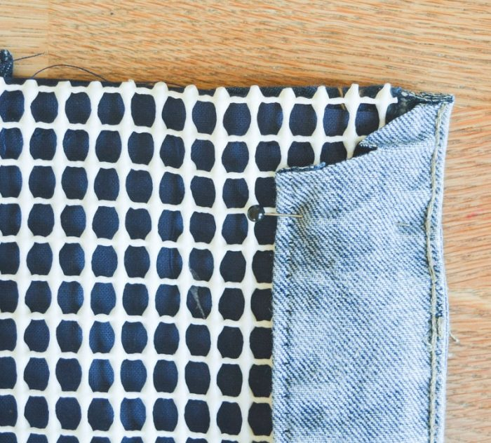 How to make a doormat using old jeans 14