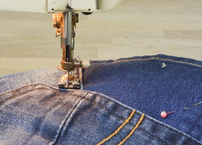 How to make a doormat using old jeans 8