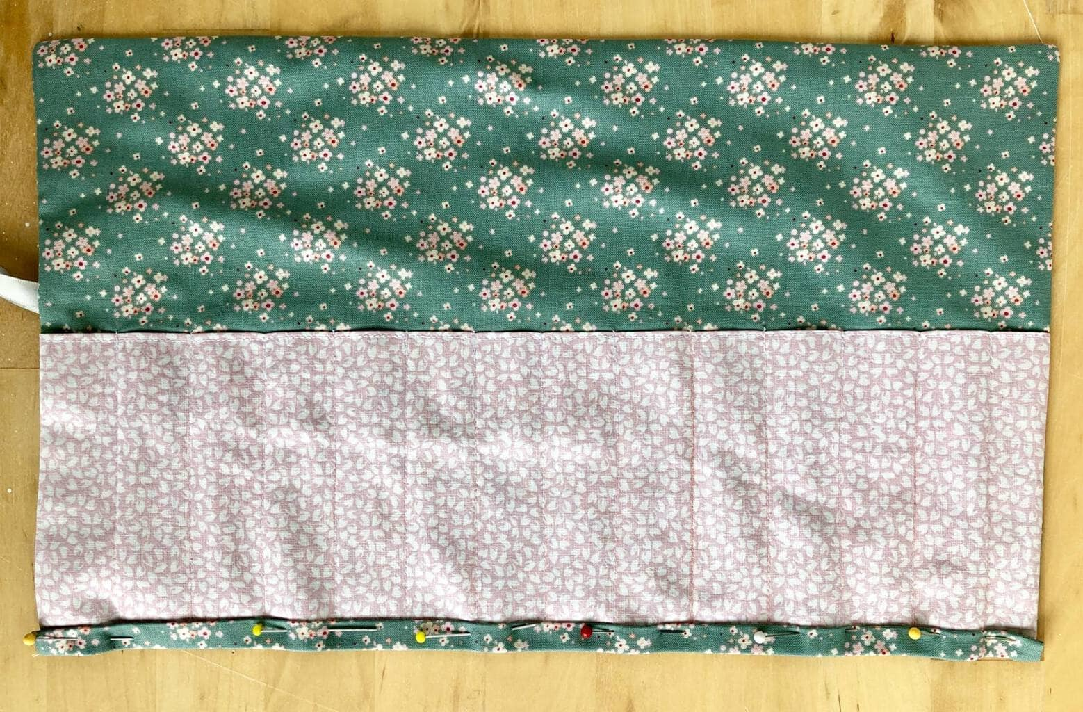 Easy Crochet Hook Roll Pattern - free pattern for fat quarters 20