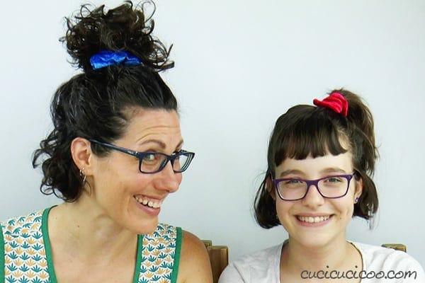 How to make a hair scrunchie with pompom trim 24