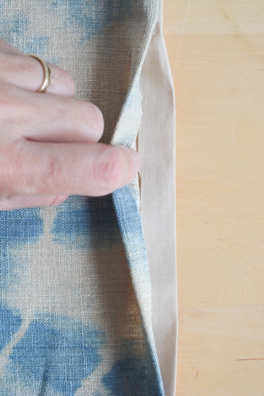 How to sew a table runner - DIY shibori table runner 24