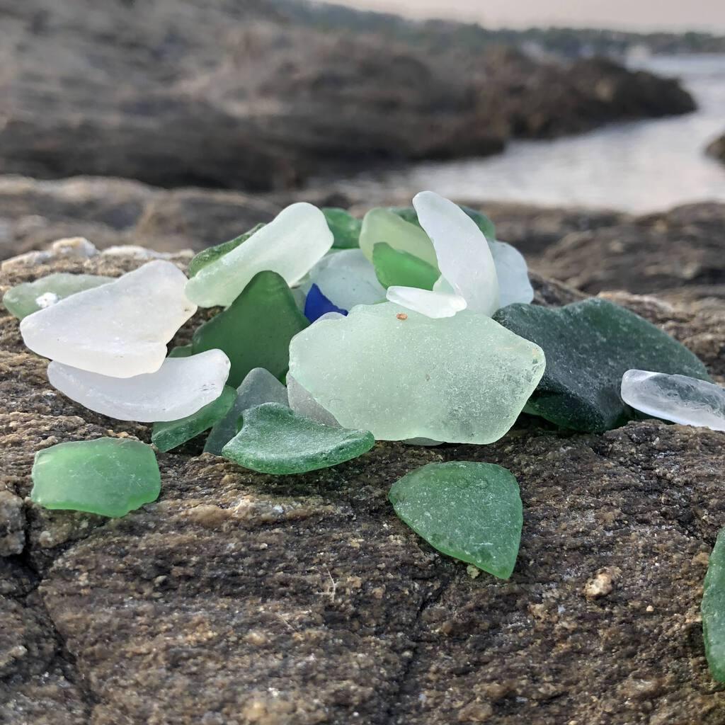 Easy DIY Sea Glass Mirror - beach themed decor 2