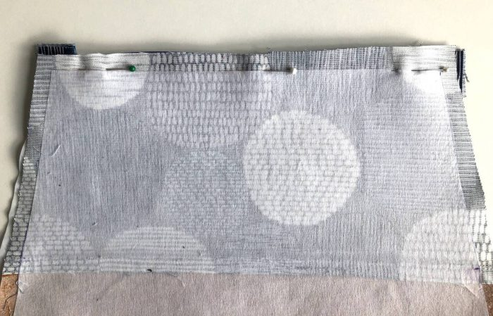 How to make a zippered pouch tutorial flat bottom 28