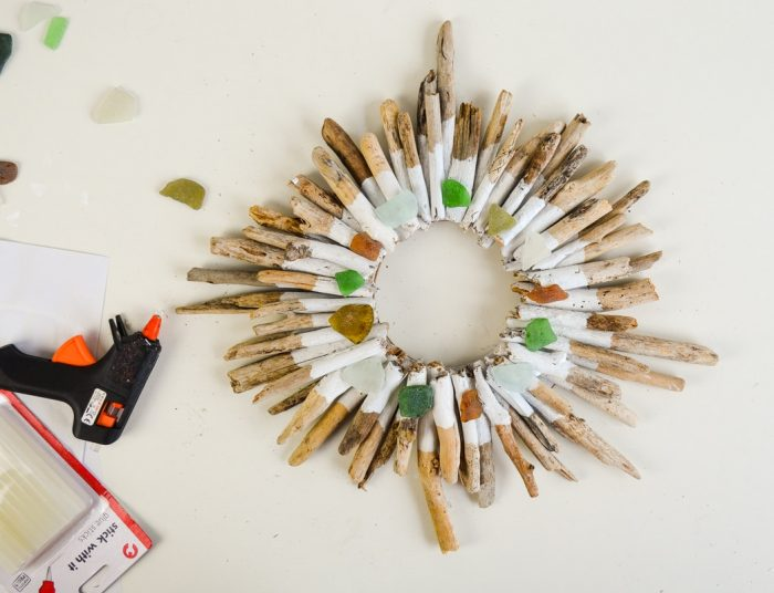 Stunning Driftwood Wreath Tutorial 16
