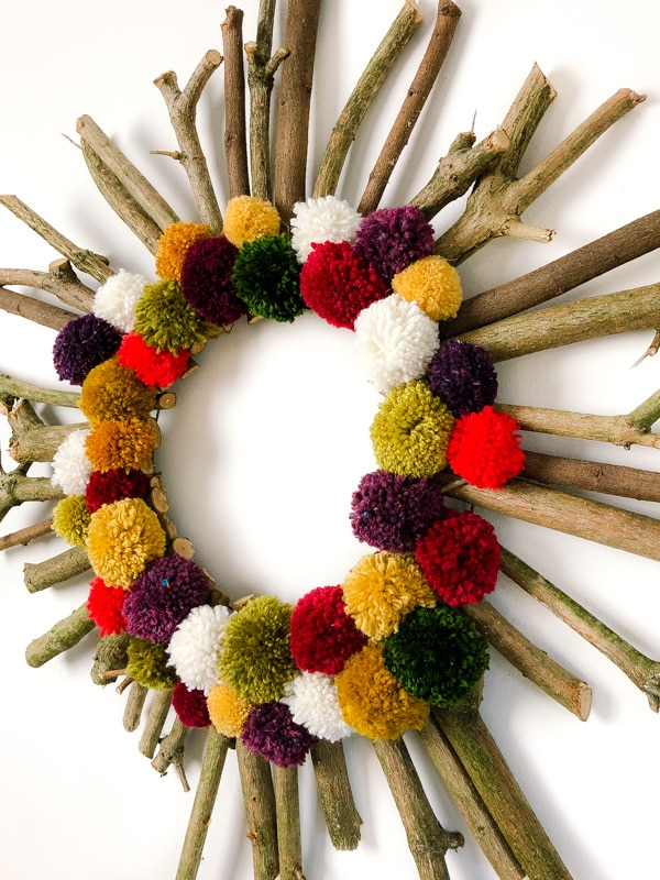 How to make a Christmas wreath 20