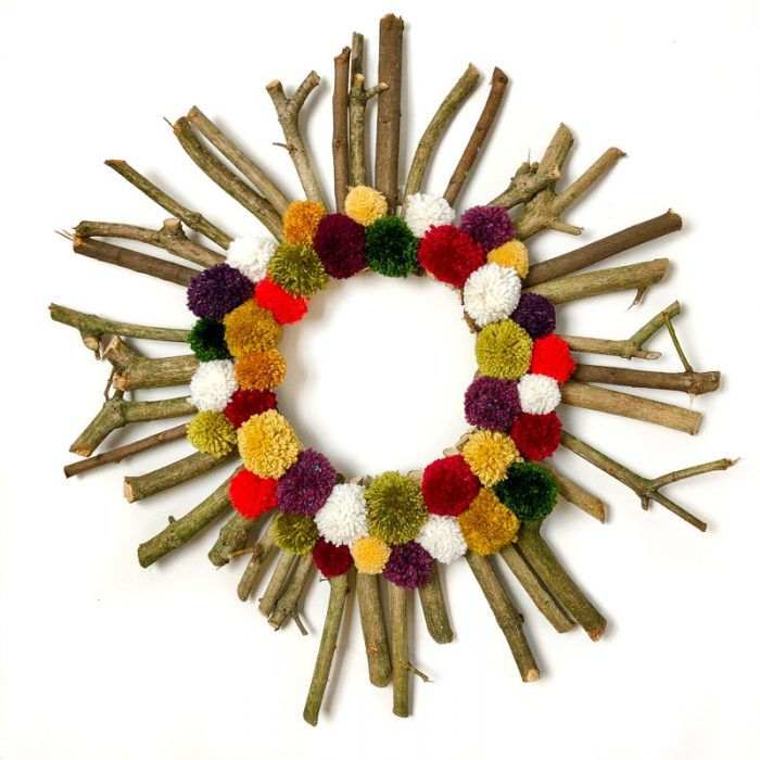 How to make a Christmas wreath 24