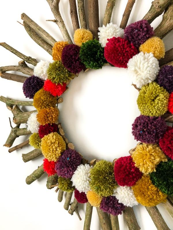 How to make a Christmas wreath 6