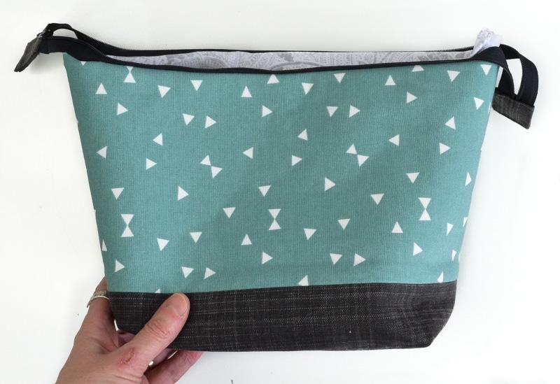 How to make a top zipper closure for a bag 26