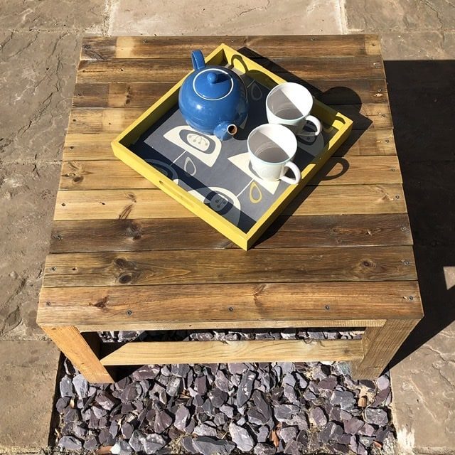 How to make a DIY wood coffee table 4