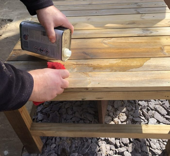 How to make a DIY wood coffee table 20