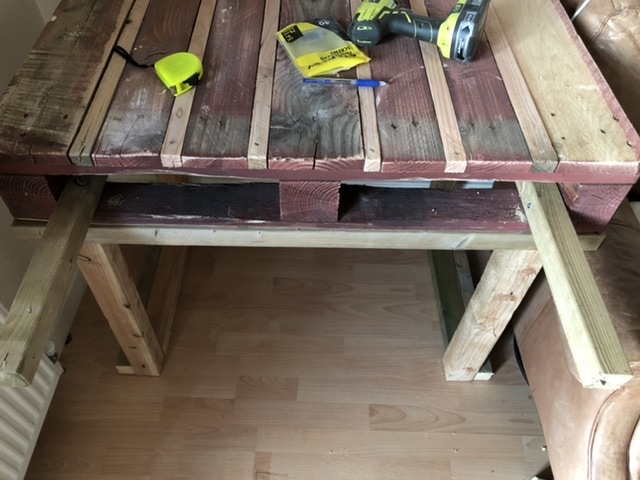 How to make a desk from pallets 30