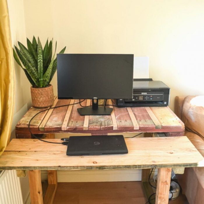 How to make a desk from pallets 22