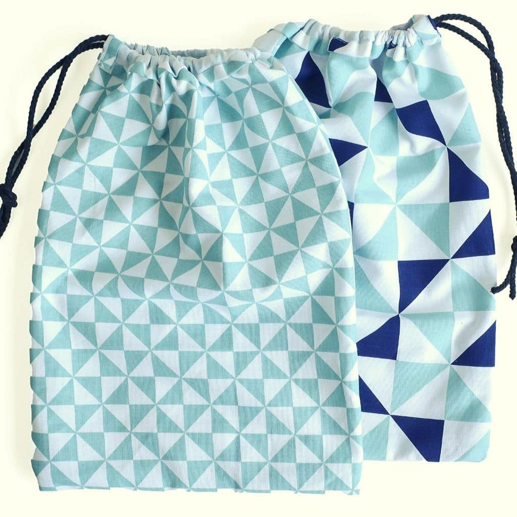 How to make a drawstring bag from a Tea Towel 50