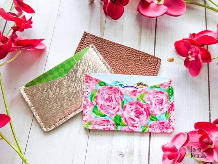 How to Make an Easy Card Wallet With a Free Sewing Pattern